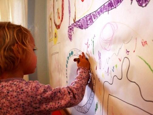 Cum se curata markerul permanent de pe haine, pereti sau mobila