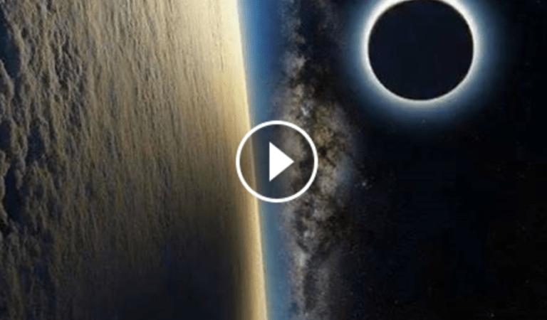 O eclipsa solara vazuta din spatiu